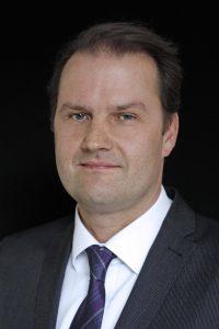 Thomas Lange ist stellvertretender Hauptgeschäftsführer von GermanFashion, dem Modeverband Deutschland e.V., der die deutsche Modeindustrie repräsentiert und die Interessen der rund 350 Mitglieder vertritt.